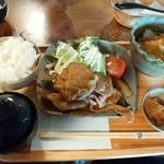 ぶんぶくちゃがま - 昔食堂の王道、しょうが焼き570円ライスセット260円