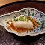 味 竹林 - 1品目:長芋豆腐。今では『味 吉兆』でも定番です。 [2015/05 夜]
