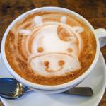 Cafe WALL - カフェラテ 無理難題にも快く応じてくれました(^^)