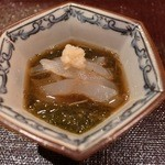 味 竹林 - 2品目:サヨリの昆布締めとモズク酢、おろし生姜添え。 [2015/05 夜]