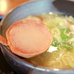 らーめん きりん - 鶏塩らーめんのスープ '15 4月上旬