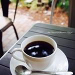 上島珈琲店  - お天気の良い日はテラス席がオススメ。上野公園の木々が望めます^_^