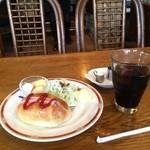 明日香 - 料理写真:ドリンク料金でこれだけ付くモーニングサービス、アイスコーヒー470円でした