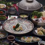 かまや - 料理写真:臼杵直送のふぐ料理  5900円~9500円(税別)