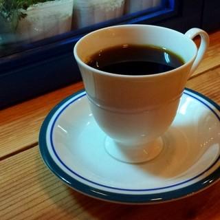 一杯のコーヒーへのこだわりが繋ぐ絆