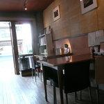 プラチナダイナー白金カフェ食堂 - 店内は席数は多くない