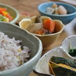 マウンテン - 料理写真:おまかせランチ (ドリンク・デザート付き)¥1,080