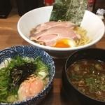 六道 - つけ麺さっぱりに温玉丼!