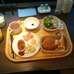 38201028 - プレート朝食