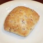 38201768 - ライムギのパン
