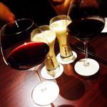 ピッツェリア・ナポレターナ ブッファロ - ワインとカクテル