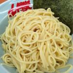 ラーメン山岡家 - 昔は重いストレートだったが今や普通。