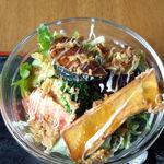 カフェ&レストラン 絵里珈 - セットのサラダには揚げた根菜が!(^_^)v