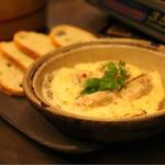 焼きハマグリ新三郎 - はまぐりのカマンベールチーズ焼き