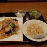 五福飯店 - 料理写真:五目揚げそばセット