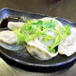 麺工房 武 - 手作りのパクチー入り水餃子(450円)