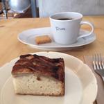trim - 2015.5 バナナシナモンケーキ & コーヒー