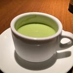サロン・ド・シャンパーニュ ヴィオニス - グリーンピースの冷性スープ