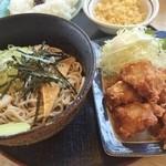 どんきゅう - 料理写真:唐揚げセット630円!やすッ★