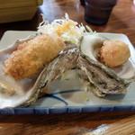 味の食彩館 - 特別刺身定食+一品(今日は牡蠣フライ)