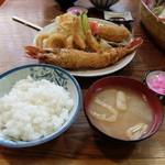 味の食彩館 - ミックスフライ定食¥1100