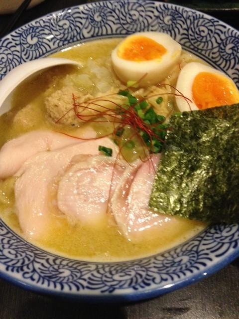 晴壱 - 濃厚鶏白湯そば、全部のせ!