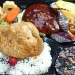 八千代 - ★ハンバーグ弁当+豚味噌1枚 760円
