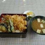 割烹いな長 - 料理写真:特上天丼 お味噌汁+香の物