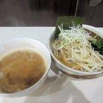 麺匠 名人房 - 濃厚魚介豚骨つけ麺中盛り(全粒粉極太麺)