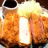 洋食かつ 兎 - 料理写真:銘柄豚「認定山形豚」の厚切ロースカツ