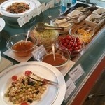 犬山ローレライ麦酒館 - ビュッフェテーブル サラダのコーナー