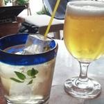 バレアリック飲食店 - ミントティーとランチビール