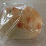 橋本屋製パン店 - もちもちあんぱん 190円