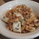 イタリア食堂ディエーチ - くるみとゴルゴンゾーラチーズ 400円 (2009_9_29 撮影)
