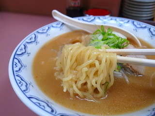 ラーメン白樺 - 麵リフト~