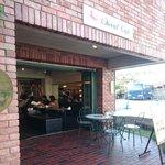 Cheval Cafe - 外観