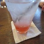 チムニー - デザートセット(780円)も。妻のドリンクは酵素ドリンク。下にはイチゴベースの物が。
