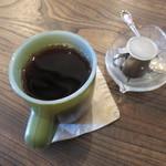 チムニー - 自分のドリンクはコーヒー。まつざわ珈琲の豆を使っています。