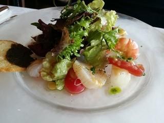 海辺のレストラン ラ・プラージュ - いろいろな魚介類のお刺身サラダ