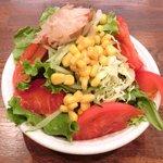 ellie - カレーランチ 500円 のサラダバー