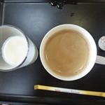 南平台温泉ホテル - 朝食バイキング、ブレンドコーヒー、自家製レモン牛乳