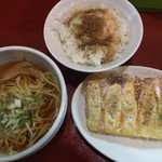 歌舞伎町麺'S倶楽部 KING - Eセット(半熟玉子めし + 餃子 + ラーメン) ¥700