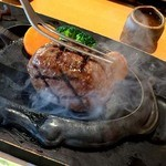 さわやか 掛川インター店 - 250gのげんこつハンバーグ。ころんとるまるしたハンバーグが到着~!