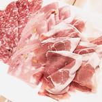 ア・フリーク - イタリア産生ハムとサラミ