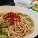 DINING CAFE Bro - 桜海老とオクラのオイルパスタ