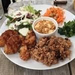 cafe たべりーね - 有機野菜と玄米のランチプレート