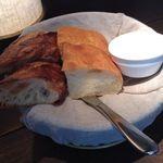 ザ・シティ・ベーカリー - 食べ放題のパン