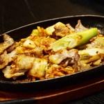 鉄板焼千珠 - ぶたキムチ炒め