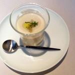 38264916 - 玉葱の冷たいスープ