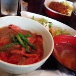 神戸バル N Tamachi - ランチ ローストビーフ丼1280円 + お代わり自由コーヒー100円